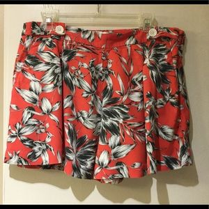 Banana republic shorts with pockets